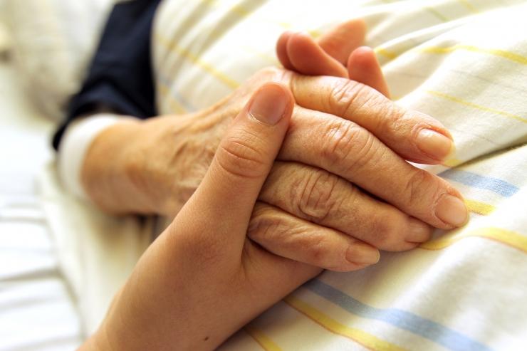 Tommatud tagasi haige Valu kaela ja olaliidete valu pohjustab