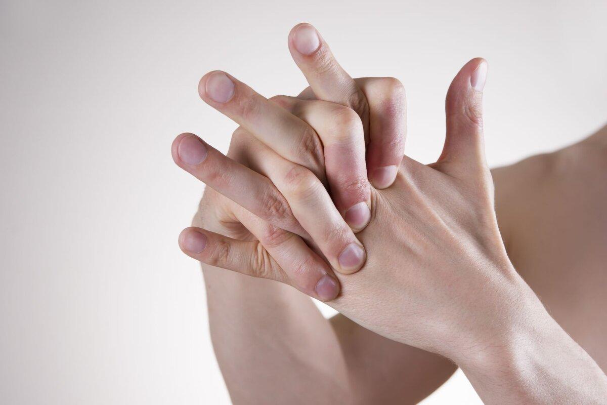 Mida teha, kui liigesed sormedele haiget Pusiv valu pohjustab