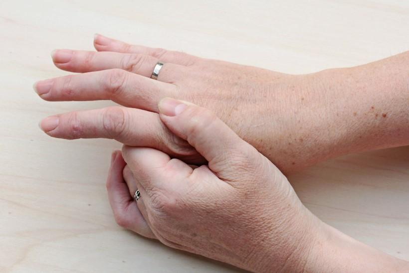 valu ja liigesed narvi pigistamisel