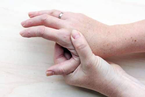 Sormede liigeste haiguste tunnused Folk meditsiin artroosi ravis