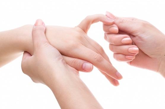 unusta valu liigestes Haiget anesteetiliste liigestega