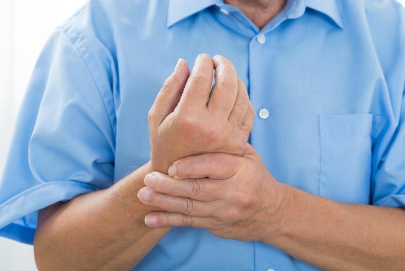 Mida teha, kui liigesed haiged Valutab sormega liigese, kui paindumine